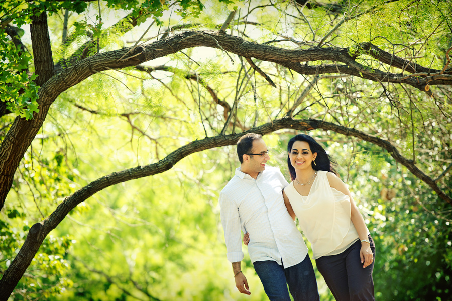 las Colinas engagement picture ideas
